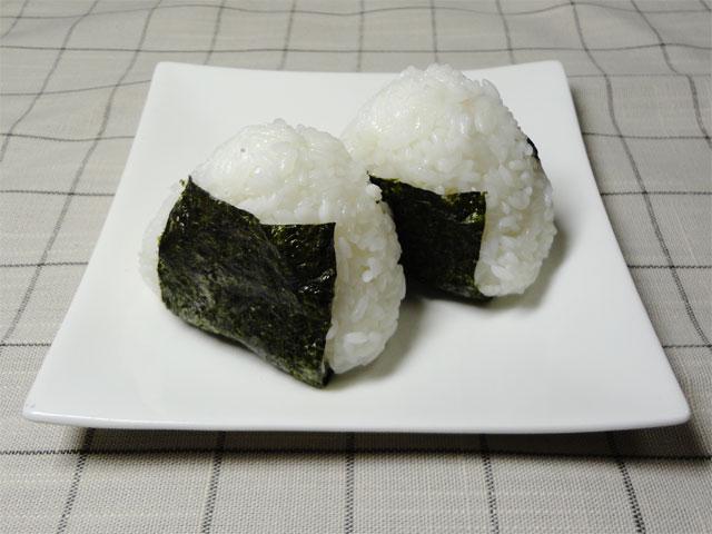 マンナンヒカリ入りのご飯で作ったオニギリ