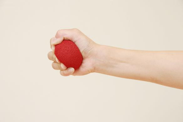 グリップボールで握力トレーニング