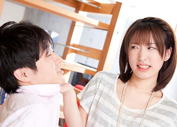 夫婦喧嘩中の男女