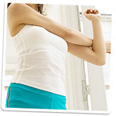 一筋縄ではいかない二の腕のプルプルも簡単エクササイズで解消